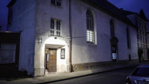 Still aus Blickfänger Porträtfilm Probebühne Osnabrück e.V. Eingangsbereich